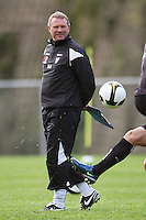 Phoenix coach Ricki Herbert during the Wellington Phoenix A-League football training session Training Session at Newtown Park, Wellington, New Zealand on Monday, 4 May 2009. Photo: Dave Lintott / lintottphoto.co.nz