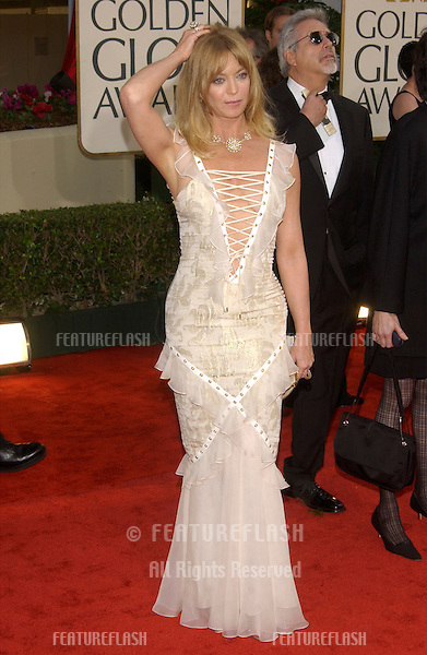 GOLDIE HAWN at the Golden Globe Awards at the Beverly Hills Hilton Hotel..19JAN2003...© Paul Smith / Featureflash