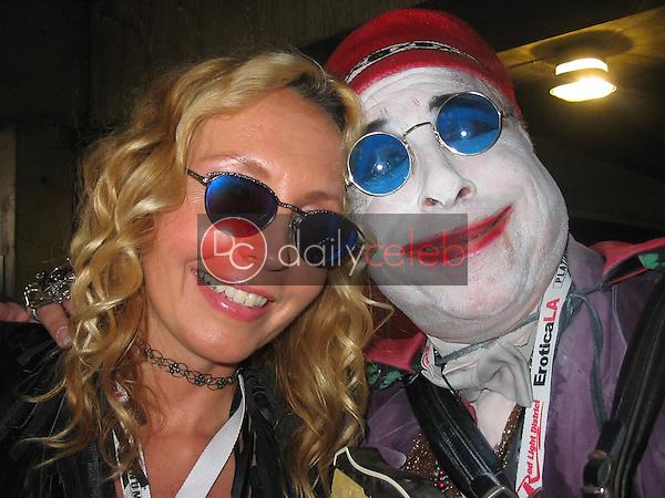 Melodee Von, Count Smokula<br /> At the 2005 Erotica LA Convention Day 2, Los Angeles Convention Center, Los Angeles, CA 06-12-05<br /> David Edwards/DailyCeleb.com 818-249-4998