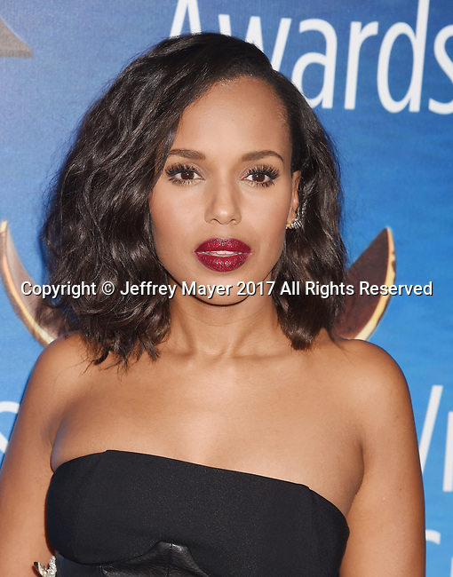BEVERLY HILLS, CA - FEBRUARY 19: Actress Kerry Washington attends the 2017 Writers Guild Awards L.A. Ceremony at The Beverly Hilton Hotel on February 19, 2017 in Beverly Hills, California.
