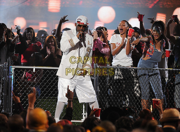 LAS VEGAS, NV - NOVEMBER 6: R. Kelly performs the 2015 Soul Train Awards at the Orleans Arena on November 6, 2015 in Las Vegas, Nevada.  <br /> CAP/MPI/PGFM<br /> &copy;PGFM/MPI/Capital Pictures
