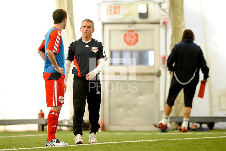 New York Red Bulls assistant coach Richie Williams talks with second round draft pick, defender Jack Traynor during Red Bulls training camp at the Giants Stadium bubble in East Rutherford, NJ, on January 20, 2009. Photo by Howard C. Smith/isiphotos.com