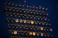 Luces, lamparas o luminarias del estadio H&eacute;roe de Nacozari a contra luz justo antes del anochecer.Cielo azul intenso<br /> <br /> (Photo:Luis Gutierrez/ NortePhoto.com)<br /> <br /> pclaves:  atardecer, reflejo, azul, oscurecer, oscurece, noche, darknes, dark