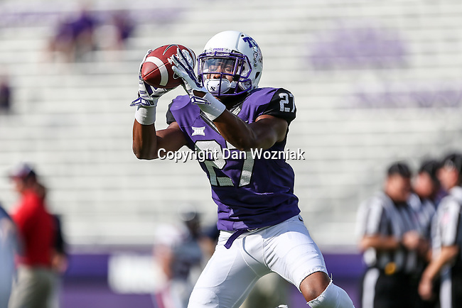 TCU Horned Frogs cornerback Travoskey Garrett (27) in action during the game between the Samford Bulldogs and the TCU Horned Frogs at the Amon G. Carter Stadium in Fort Worth, Texas.  TCU leads Stamford 24 to 7 at halftime.