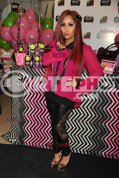NEW YORK, NY - NOVEMBER 19: Nicole 'Snooki' Polizzi at the Snooki Couture Fragrance and Nail Polish Launch at Perfumania NYC on November 19, 2012 in New York City. Credit: mpi01/MediaPunch Inc. /NortePhoto