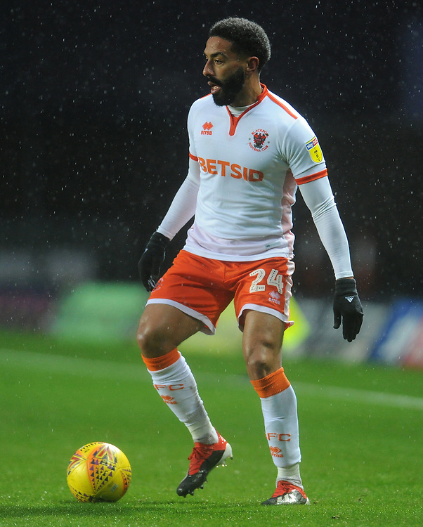 Blackpool's Liam Feeney<br /> <br /> Photographer Kevin Barnes/CameraSport<br /> <br /> The EFL Sky Bet League One - Oxford United v Blackpool - Saturday 15th December 2018 - Kassam Stadium - Oxford<br /> <br /> World Copyright © 2018 CameraSport. All rights reserved. 43 Linden Ave. Countesthorpe. Leicester. England. LE8 5PG - Tel: +44 (0) 116 277 4147 - admin@camerasport.com - www.camerasport.com