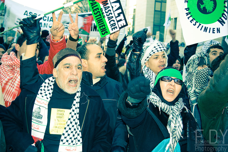 Protesters against the israeli intervention in Gaza, Paris (France) on the 10th of January 2009.