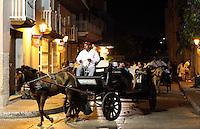 CARTAGENA-COLOMBIA-09-01-2013. Paseo en carroza en la Ciudad Amurallada de Cartagena de Indias, Colombia. Carriage ride in the walled city of Cartagena de Indias, Colombia. (Photo: VizzorImage).......