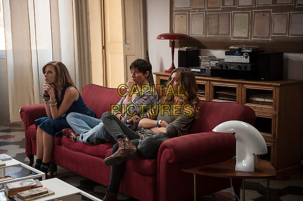 Laura Adriani, Anna Foglietta, Vittoria Puccini<br /> in Tutta colpa di Freud (2014) <br /> *Filmstill - Editorial Use Only*<br /> CAP/NFS<br /> Image supplied by Capital Pictures