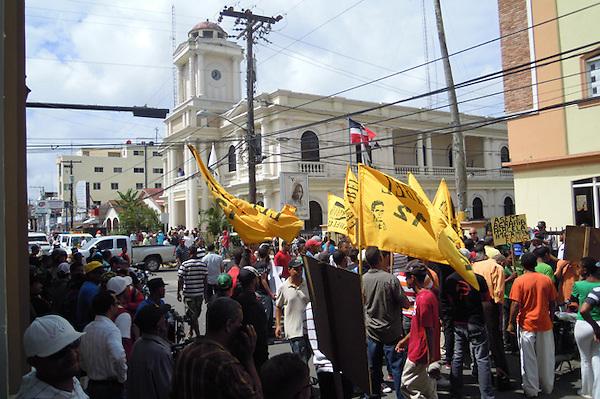 GRUPOS POPULARES MARCHAN Y PIQUETEAN AYUNTAMIENTO Y GOBERNACI&Oacute;N.<br /> Francisco Calder&oacute;n Hern&aacute;ndez.<br /> 22/05/2013.