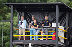 DEN BOSCH - Videotoren met Frank Wijbenga en Bas van Zundert (Den Bosch)  tijdens   de finale van de EuroHockey Club Cup, Den Bosch-UHC Hamburg (2-1) . .COPYRIGHT  KOEN SUYK