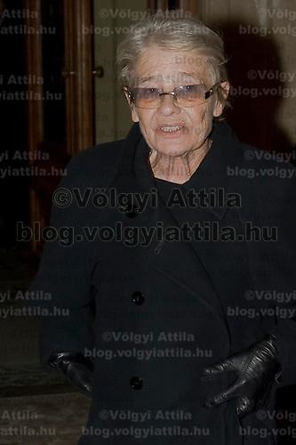 Actress Mari Torocsik leaves the Budapest Opera House.