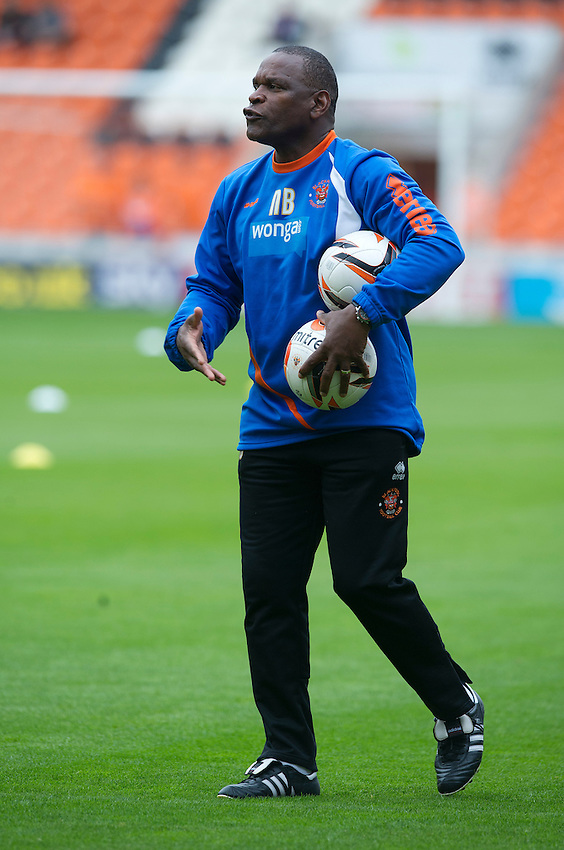 Blackpool's First Team Coach Noel Blake gets his point across to the players during the pre-match warm-up <br /> <br /> Photographer Stephen White/CameraSport<br /> <br /> Football - The Football League Sky Bet Championship - Blackpool v Wolverhampton Wanderers - Saturday 13th September 2014 - Bloomfield Road - Blackpool<br /> <br /> &copy; CameraSport - 43 Linden Ave. Countesthorpe. Leicester. England. LE8 5PG - Tel: +44 (0) 116 277 4147 - admin@camerasport.com - www.camerasport.com