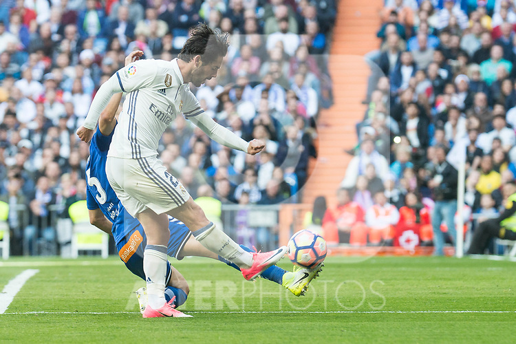 "Real Madrid's Francisco Roman ""Isco"" during La Liga match between Real Madrid and Deportivo Alaves at Stadium Santiago Bernabeu in Madrid, Spain. April 02, 2017. (ALTERPHOTOS/BorjaB.Hojas)"