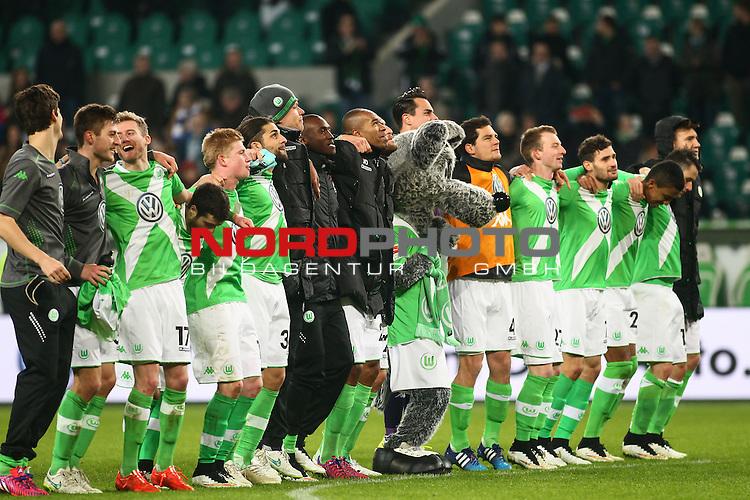 22.02.2015, Volkswagen Arena, Wolfsburg, GER, 1.FBL, VfL Wolfsburg vs Hertha BSC, im Bild jubelnde Wolfsburger Spieler <br /> <br /> Foto &copy; nordphoto / Schrader