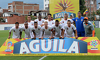 ENVIGADO- COLOMBIA, 22-04-2018: Formación del Envigado contra el Atlético Huila durante partido por la fecha 17 de la Liga Águila I 2018 jugado en el estadio Polideportivo Sur  de la ciudad de Medellín. / Team of Envigado against of Atletico Huila during the match for the date 17 of the Liga Aguila I 2018 played at the Polideportivo Sur Stadium in Medellin city. Photo: VizzorImage / León Monsalve / Contribuidor