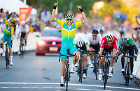 Picture by Alex Whitehead/SWpix.com - 14/04/2018 - Commonwealth Games - Cycling Road - Currumbin Beachfront, Gold Coast, Australia - Australia's Steele von Hoff beats Wales' Jon Mould in a sprint finish during the Men's Road Race.