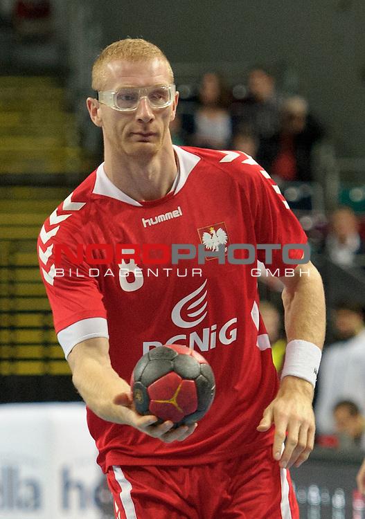 01.11.2013, &Ouml;VB Arena, Bremen, GER, Handball-Supercup, &Auml;gypten (EGY) vs Polen (POL), im Bild Karol Bielecki (Polen #8)<br /> <br /> Foto &copy; nph / Frisch