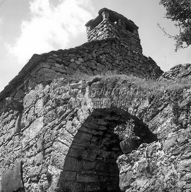 """Europe/France/Auvergne/12/Aveyron: Détail de l'architecture de l'auberge à la ferme """"La Tindelle"""" sur le causse noir"""