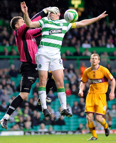 13TH APR 2010, CELTIC V MOTHERWELL, CELTIC PARK, GLASGOW, KEEPER MICHAEL FRASER AND SCOTT BROWN, ROB CASEY PHOTOGRAPHY.