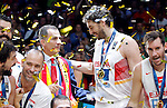 Spain's Pau Gasol and other national basketball team players and gold medalists pose for the photo with king Felipe VI of Spain after European championship basketball final match between Spain and Lithuania on September 20, 2015 in Lille, France  (credit image & photo: Pedja Milosavljevic / STARSPORT)