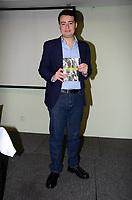 SÃO PAULO,SP, 06.07.2017 - LIVRO-SILVIO SANTOS - Lançamento da biografia do apresentador Silvio Santos obra do escritor e jornalista Fernando Morgado na Livraria Cultura do Shopping Morumbi na região sul de São Paulo na noite desta quinta-feira, 06. (Foto: Eduardo Martins/Brazil Photo Press)