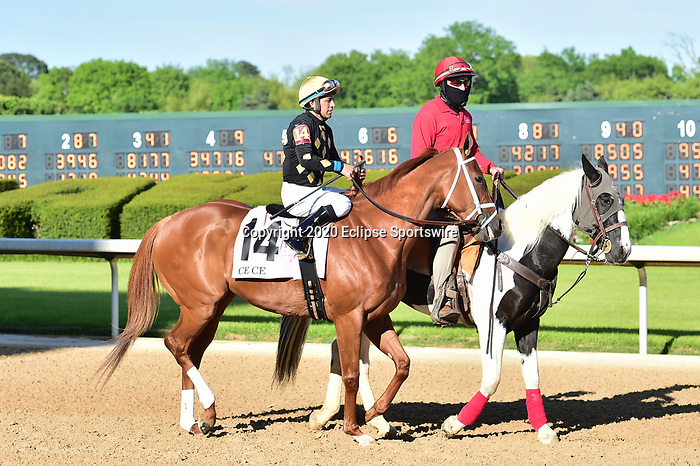 April 18, 2020:Ce Ce (14) with jockey Victor Espinoza aboard during the Apple Blossom Handicap at Oaklawn Racing Casino Resort in Hot Springs, Arkansas on April 18, 2020. Ted McClenning/Eclipse Sportswire/CSM