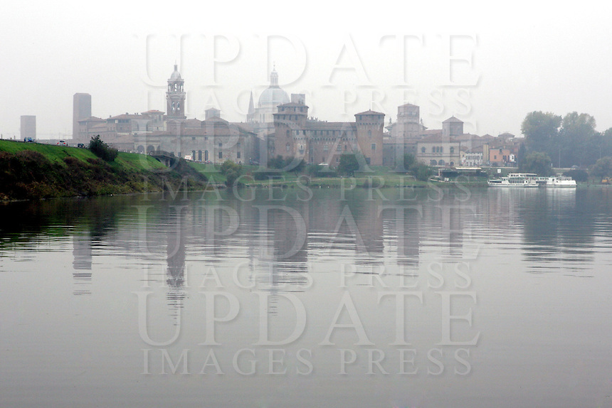 Veduta dal lago del Castello di San Giorgio, a Mantova.<br /> View of the Castle of San Giorgio from the lake, in Mantua.<br /> UPDATE IMAGES PRESS/Riccardo De Luca