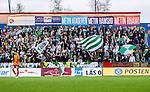 S&ouml;dert&auml;lje 2014-05-18 Fotboll Superettan Syrianska FC - Hammarby IF :  <br /> Hammarby supportrar p&aring; l&auml;ktaren p&aring; ena l&auml;ngesedan under matchen<br /> (Foto: Kenta J&ouml;nsson) Nyckelord:  Syrianska SFC S&ouml;dert&auml;lje Fotbollsarena Hammarby HIF Bajen supporter fans publik supporters