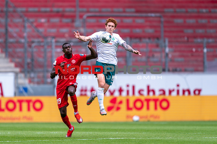 Moussa Niakhate / Niakhaté (FSV Mainz 05 #19), Joshua Sargent (Werder Bremen #19)<br /> <br /> <br /> Sport: nphgm001: Fussball: 1. Bundesliga: Saison 19/20: 33. Spieltag: 1. FSV Mainz 05 vs SV Werder Bremen 20.06.2020<br /> <br /> Foto: gumzmedia/nordphoto/POOL <br /> <br /> DFL regulations prohibit any use of photographs as image sequences and/or quasi-video.<br /> EDITORIAL USE ONLY<br /> National and international News-Agencies OUT.