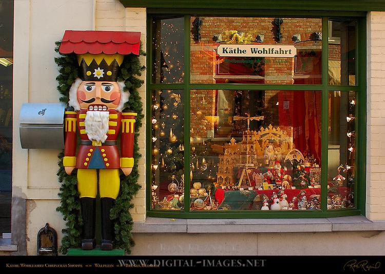 Kathe Wohlfahrt Christmas Shoppe, Walplein, Bruges, Brugge, Belgium