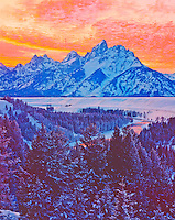 Winter sunset in the Tetons, Grand Teton National Park, Wyoming     Snake River View Point    Grand Teton Peak