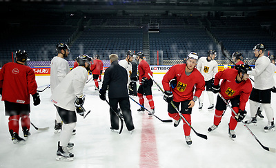 Friday, 5 May, 2017,Lanxess Arena , Cologne/GER<br /> IIHF World Hockey Championship 2017<br /> USA  vs  GER<br /> German national team Warm Up