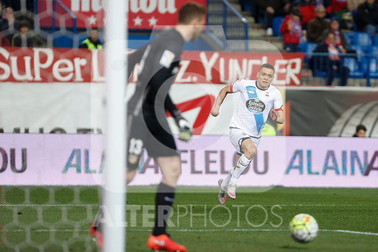 Atletico de Madrid´s Oblak and Deportivo de la Coruna´s Jonathan during 2015-16 La Liga match between Atletico de Madrid and Deportivo de la Coruna at Vicente Calderon stadium in Madrid, Spain. March 12, 2016. (ALTERPHOTOS/Victor Blanco)