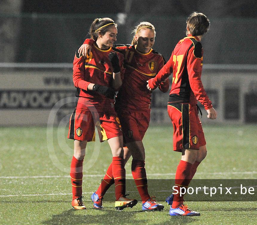Belgium - Austria : vreugde bij Tessa Wullaert en Janice Cayman (rechts) na de 1-0.foto DAVID CATRY / Vrouwenteam.be