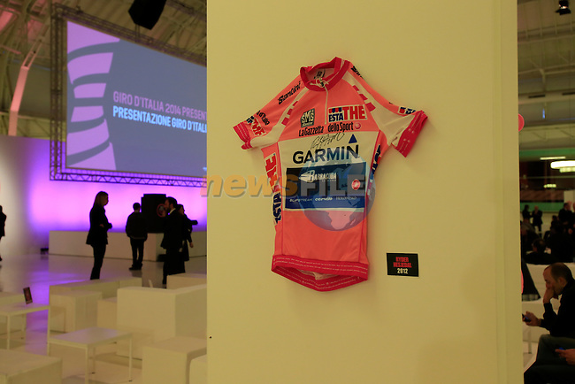 Ryder Hesjedal's 2012 winning Maglia Rosa on display at the 2014 Giro d'Italia Presentation held in the Palazzo del Ghiaccio in Milan, Italy. 7th October 2013.<br /> (Photo: Eoin Clarke/www.newsfile.ie)