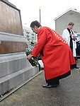 Mayor of Drogheda Richie Culhane lays a wreath at the Cenotaph Rememberance Service. Photo:Colin Bell/pressphotos.ie