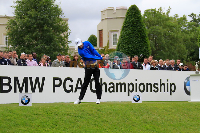 Chris Wood (ENG) tees off on the 1st tee to start his round on Day 2 of the BMW PGA Championship Championship at, Wentworth Club, Surrey, England, 27th May 2011. (Photo Eoin Clarke/Golffile 2011)
