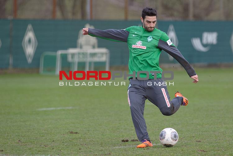 10.02.2014, Trainingsgelaende, Bremen, GER, 1.FBL, Training Werder Bremen, im Bild Mehmet Ekici (Bremen #10)<br /> <br /> Foto &copy; nordphoto / Frisch