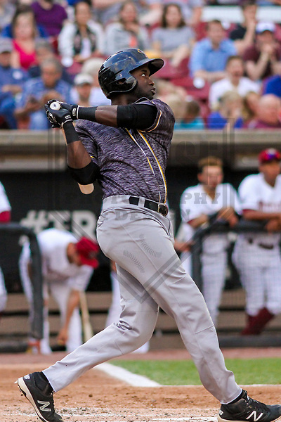 Quad Cities River Bandits outfielder Yordan Alvarez (39) during a Midwest League game against the Wisconsin Timber Rattlers on June 8, 2017 at Fox Cities Stadium in Appleton, Wisconsin.  Wisconsin defeated Quad Cities 8-3. (Brad Krause/Krause Sports Photography)
