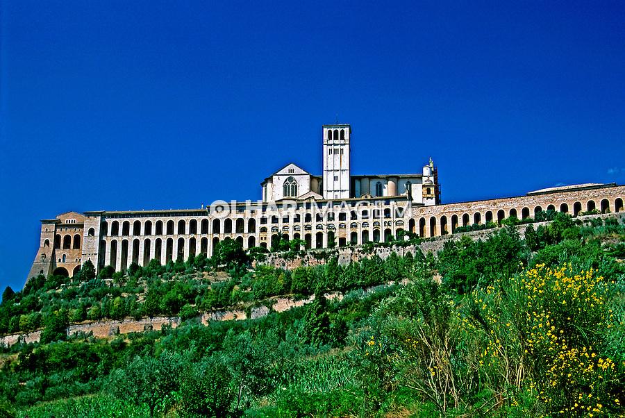 Igreja e mosteiro em Assis. Itália. 1999. Foto de Vinicius Romanini.