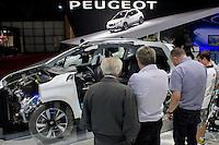 São Paulo, SP - 03.11.2014 - SALÃO INTERNACIONAL DO AUTOMÓVEL -  Peugeot Hybrid Air em exposição no 28 Salão Internacional do Automóvel no Centro de Exposições do Anhembi em São Paulo na tarde desta segunda - feira, 03. (Foto: Renato Mendes/Brazil Photo Press)