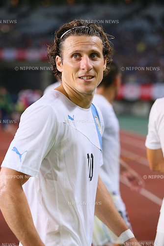 Diego Forlan (URU), <br /> AUGUST 14, 2013 - Football / Soccer : <br /> KIRIN Challenge Cup 2013 match <br /> between Japan 2-4 Uruguay <br /> at Miyagi Stadium, Miyagi, Japan.<br />  (Photo by AFLO SPORT)