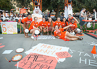 Occidental College students, their families and alumni enjoy Family Weekend & Homecoming, Oct. 17, 2015.<br />