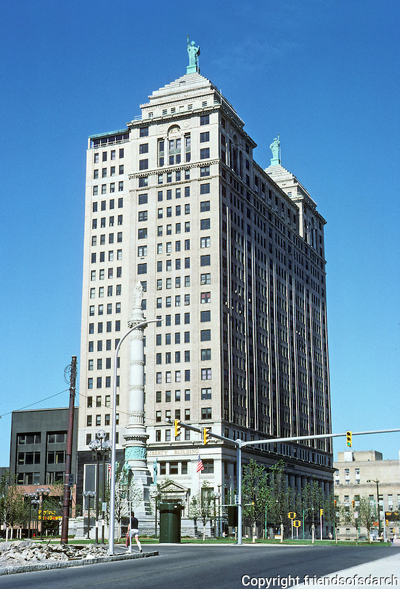 Buffalo: Liberty Bank Building 1925. Alfred (Lord) Bossom, author of BUILDING TO THE SKIES and Soldiers and Sailors Monument, 1882. Photo '88.