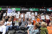 TURNEN: ROTTERDAM: Ahoy, WK Turnen, 18-10-2010, Supporters Epke Zonderland (NED), kwalificaties, ©foto Martin de Jong