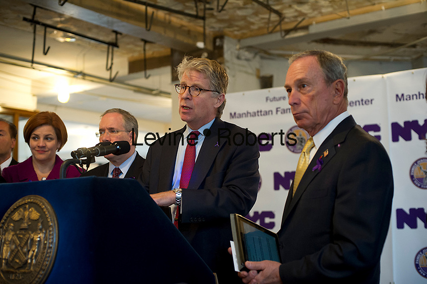 NY Mayor Mike Bloomberg, right and Manhattan District Attorney Cyrus Vance, Jr., left, announce the start of construction of the fourth New York City Family Justice Center in New York, on Wednesday, October 24, 2012.  The center will be a one-stop service center for Manhattan's domestic violence victims. © Frances M. Roberts)