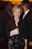 Glen Close arrives at the 2002 White House Correspondent's Dinner at the Washington Hilton Hotel in Washington, DC on May 4, 2002.<br /> Credit: Ron Sachs / CNP
