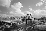 Shatila. The children have a horizon that is obscured by ruins.<br />  <br /> Chatila. Les enfants ont un horizon plomb&eacute; par les ruines.