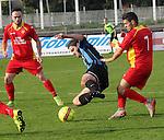 Cappellen (rood) vs. Hamoir :<br />Ilias Sbaa van Cappellen in duel met Adrien Lespagnard